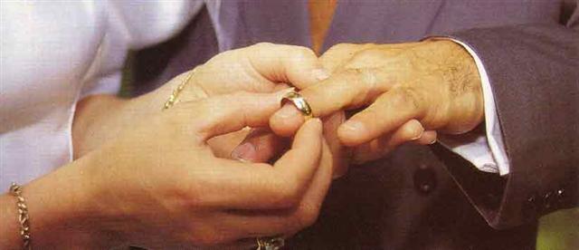 mariagesmall.jpg