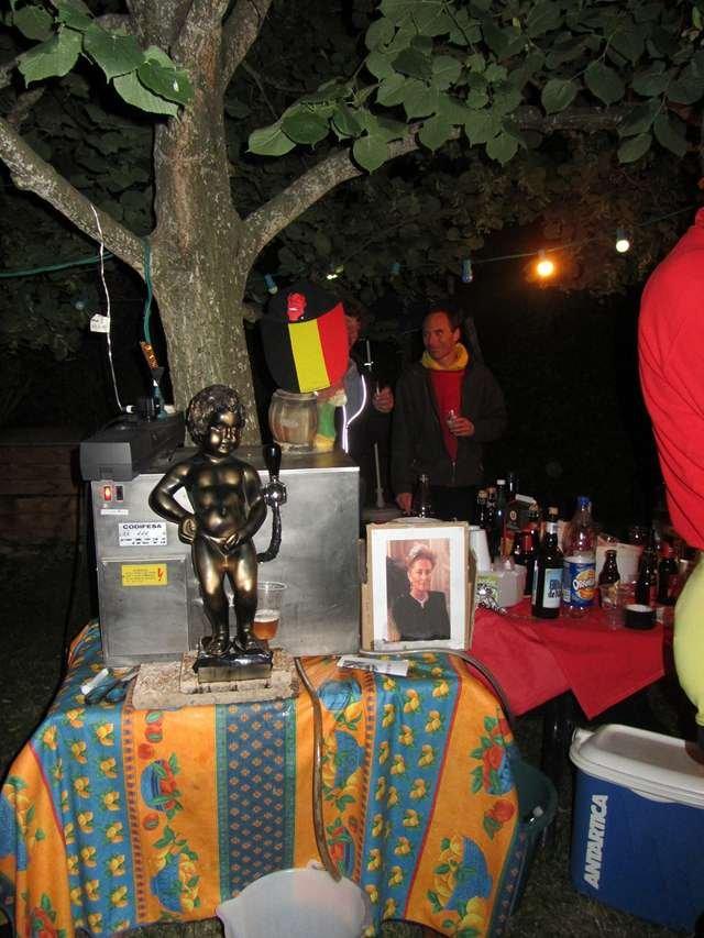 Le Manneken Piss à Mens dans Belgique 006-Copier