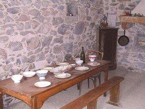 Dans les petites rues de Corps dans Matheysine Maison-de-Melanie-Calvat-a-Corps_-8-300x225