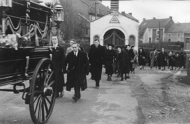 Comité d'Expansion du Trièves : l'oraison funébre dans Trièves: politique locale enterrement0012